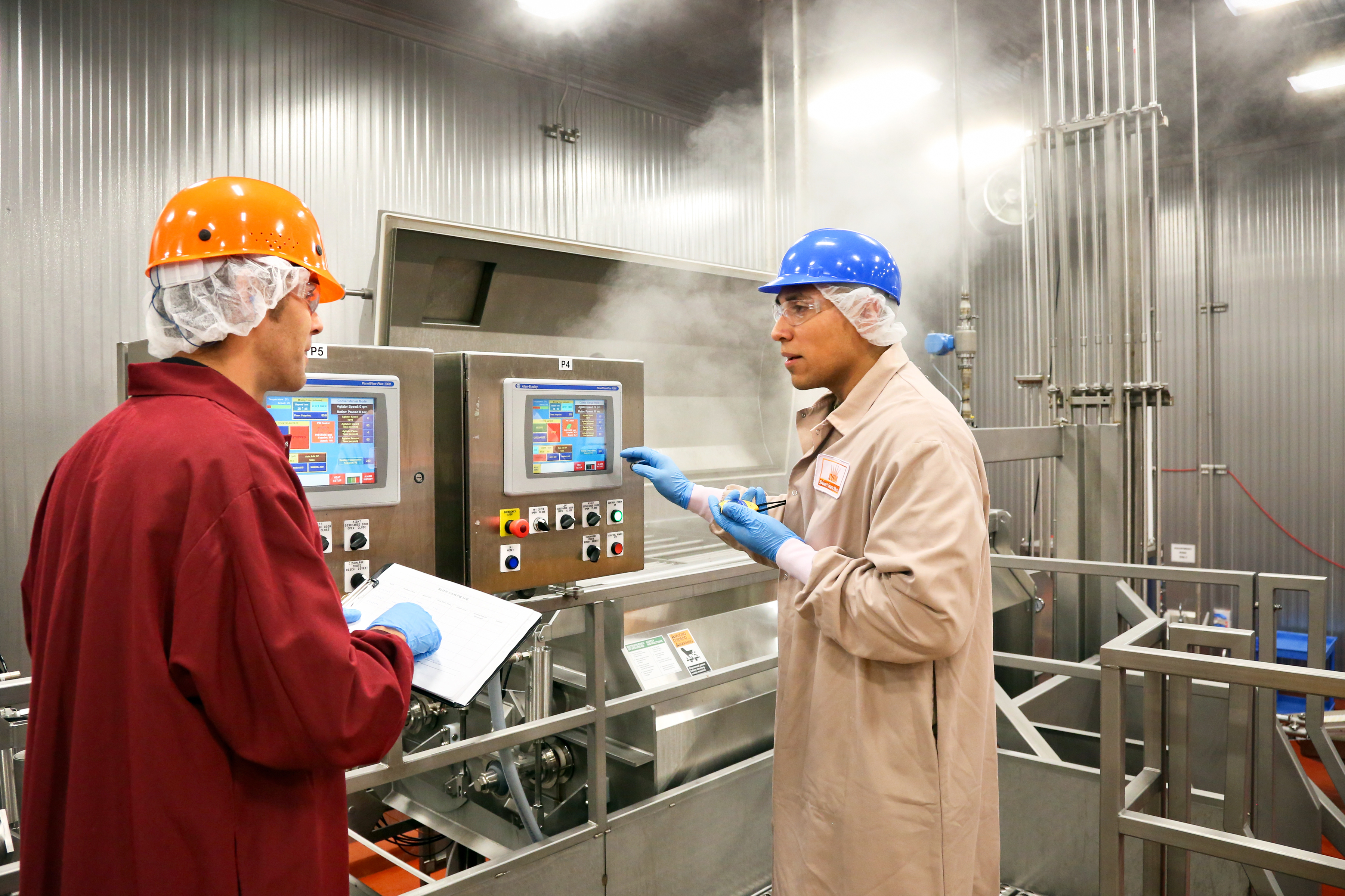 Labatt Food Service's new $28 million meat cooking plant is highly automated and uses customers' own recipes to cook, smoke and steam everything from barbacoa to brisket to turkeys to tamales. (Photo by Joan Snow)