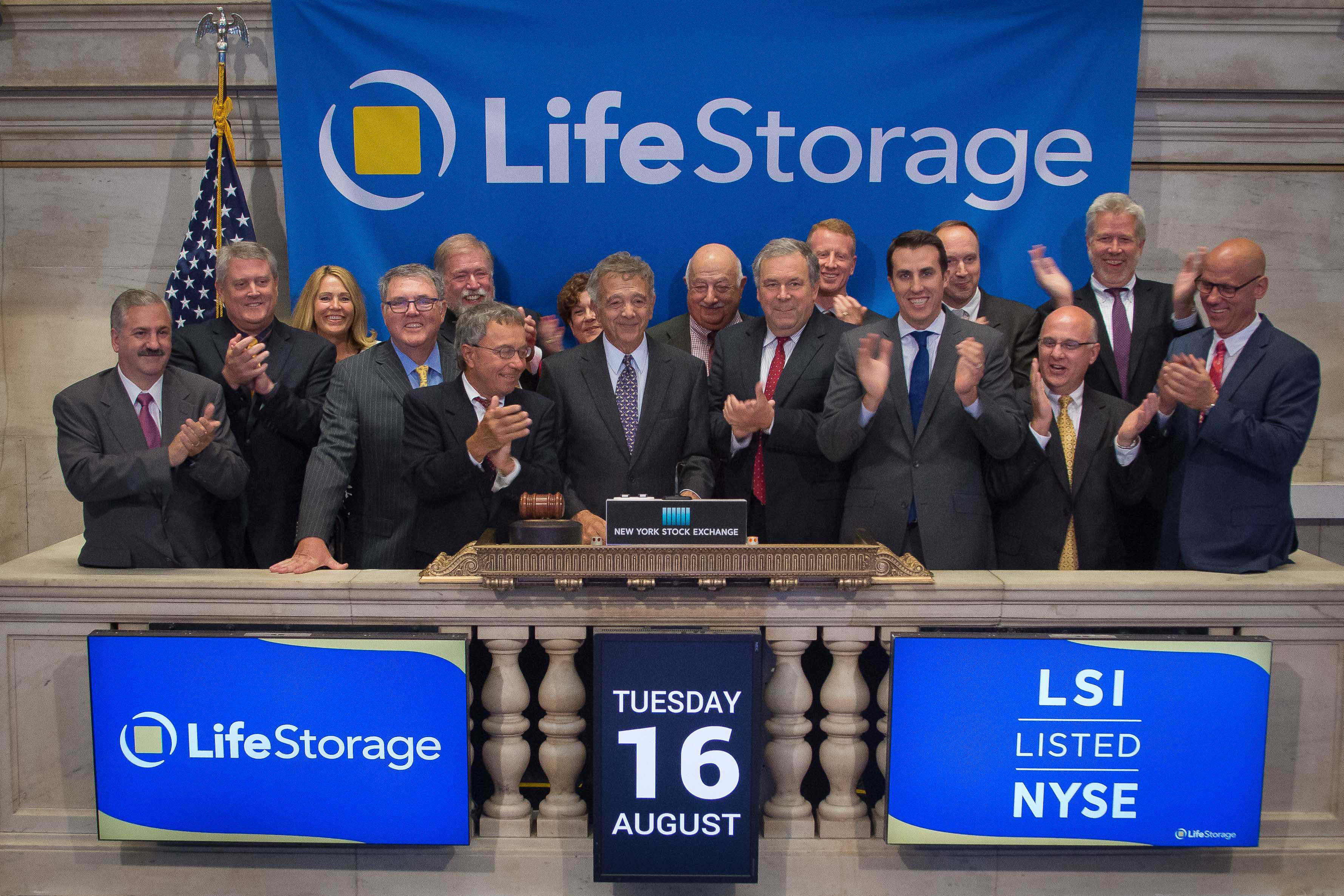 Life Storage Inc Rings The Closing Bell On New York Stock Exchange Business Wire