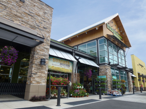 New Seasons Market at Progress Ridge TownSquare in Beaverton, Oregon. (Photo: Business Wire)