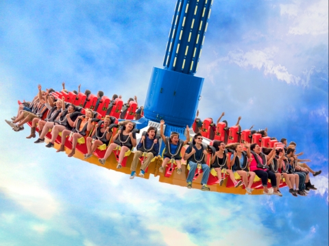 The pendulum-style ride, WONDER WOMAN Lasso of Truth, goes higher and higher while simultaneously rotating counterclockwise. (Photo: Business Wire)