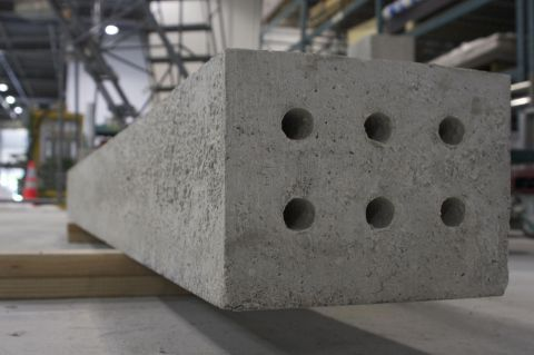 Solidia Concrete™ railroad tie (Photo: Business Wire)