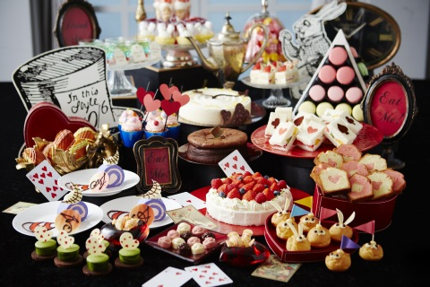"Keio Plaza Hotel Tokyo offers ""Alice in Wonderland"" themed sweets buffet from October, which includes fruit sandwiches patterned after the various suits of playing cards, cream puffs in the image of the twins Tweedle Dee and Tweedle Dum who appear as characters in the novel, and a total of 30 different beautiful and delicious desserts. (Photo: Business Wire)"