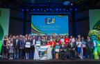 Gli studenti provenienti da Hong Kong e dalla Tailandia vincitori del premio principalenel Panasonic KWN Global Contest 2016 tenutosi durante i Giochi paraolimpici di Rio 2016