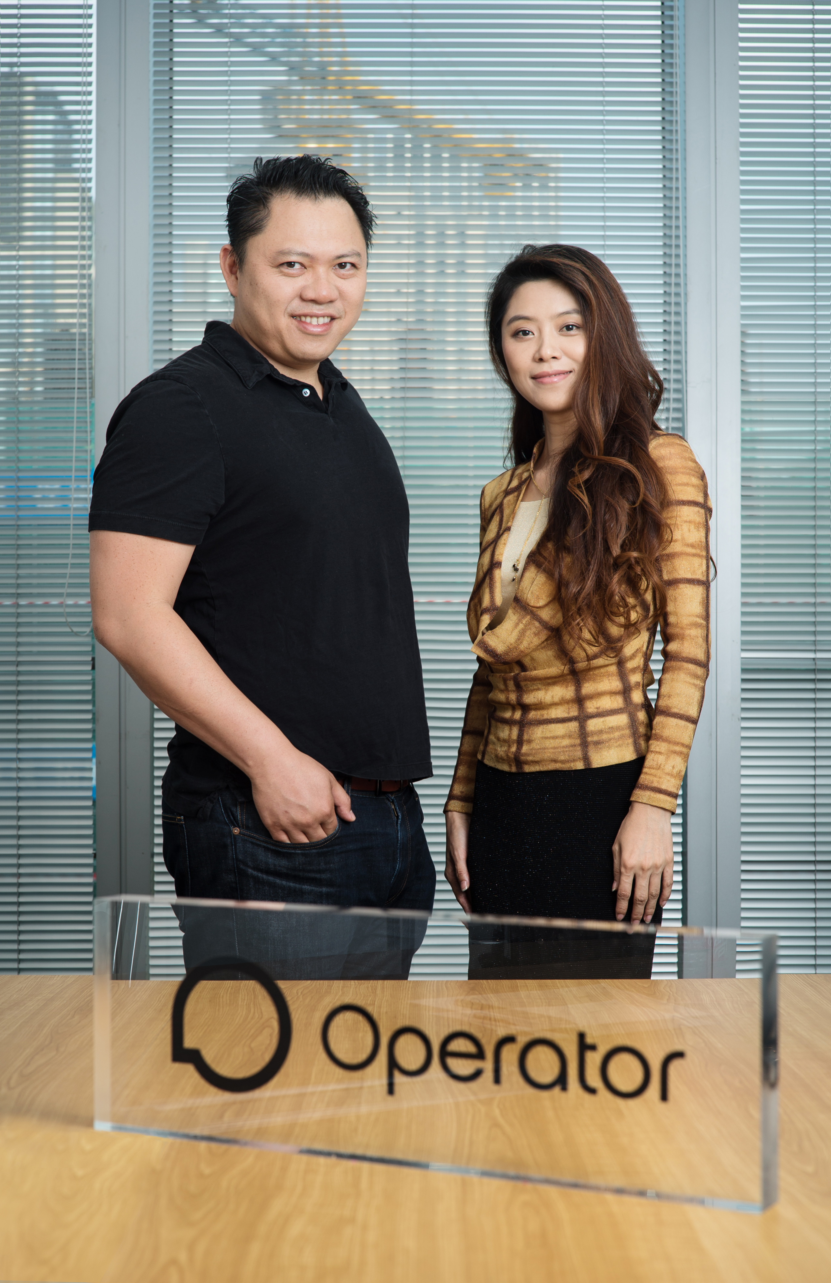 Robin Chan, CEO of Operator, welcomes Yolanda Xue as the new CEO of Operator China. (Photo: Business Wire)