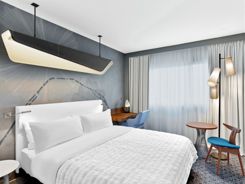 Guestroom at Le Méridien Etoile – Design by interior architect Jean-Philippe Nuel. (Photo: Business Wire)