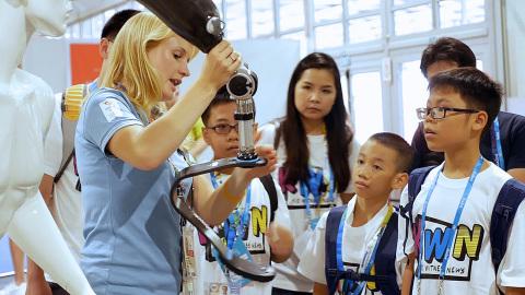 2016年童眼看世界全球竞赛颁奖典礼在巴西里约热内卢举办(照片:美国商业资讯)
