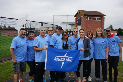 Hundreds of Medline employees and their families participated in the American Heart Association's (AHA) 2016 Lake County Heart Walk (Photo: Business Wire)