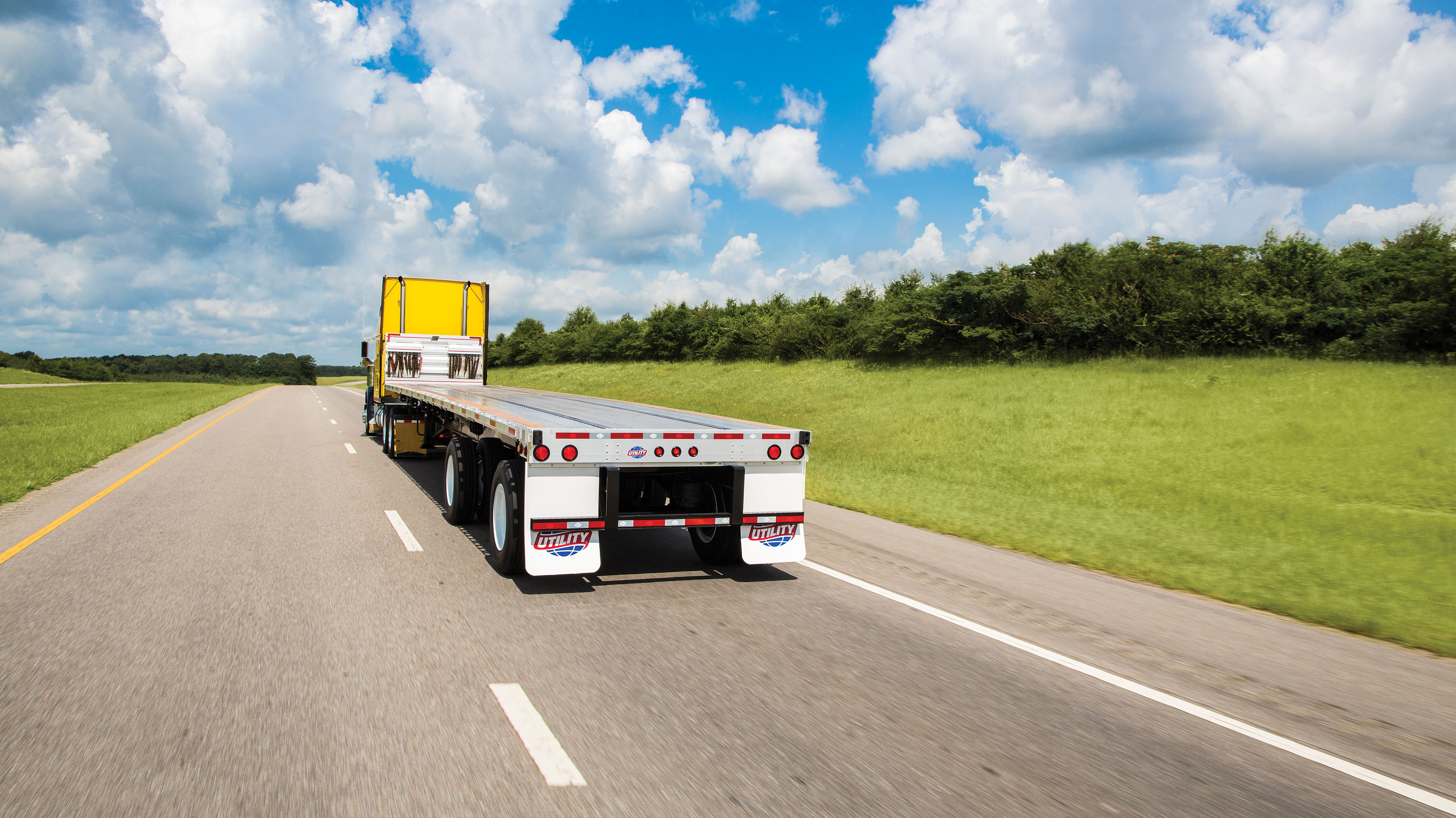 Utility Trailer Manufacturing Co. Introduces New 4000AE™ Flatbed ...