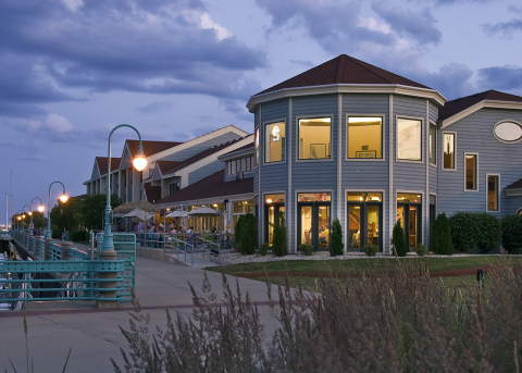 Hilton and Graves Hospitality Announce Grand Opening of DoubleTree by Hilton Racine Harbourwalk Following Multimillion Dollar Renovation (Photo: Business Wire)