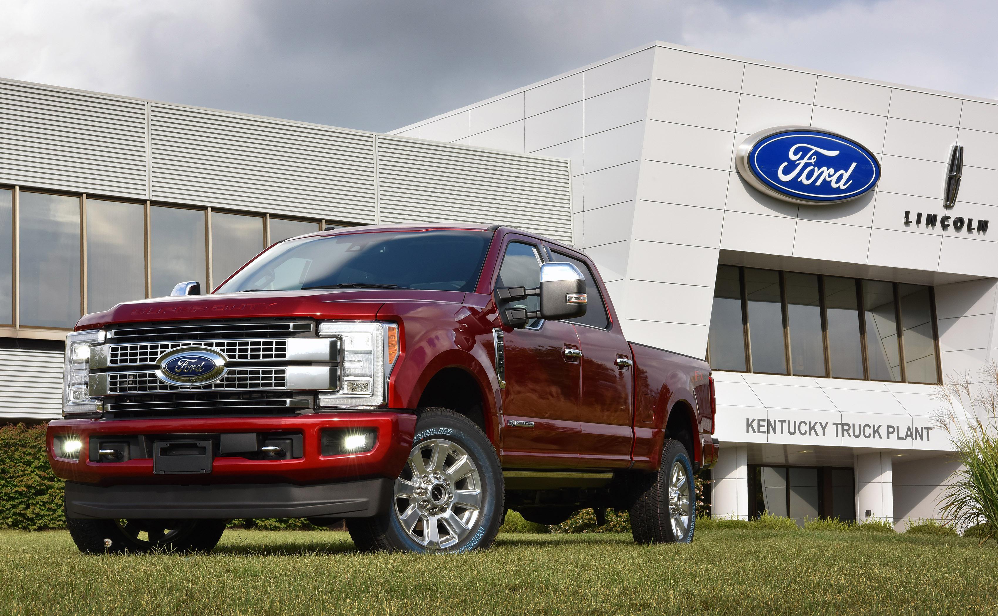 Ford super duty customer embodies built ford tough spirit for Ford motor customer service