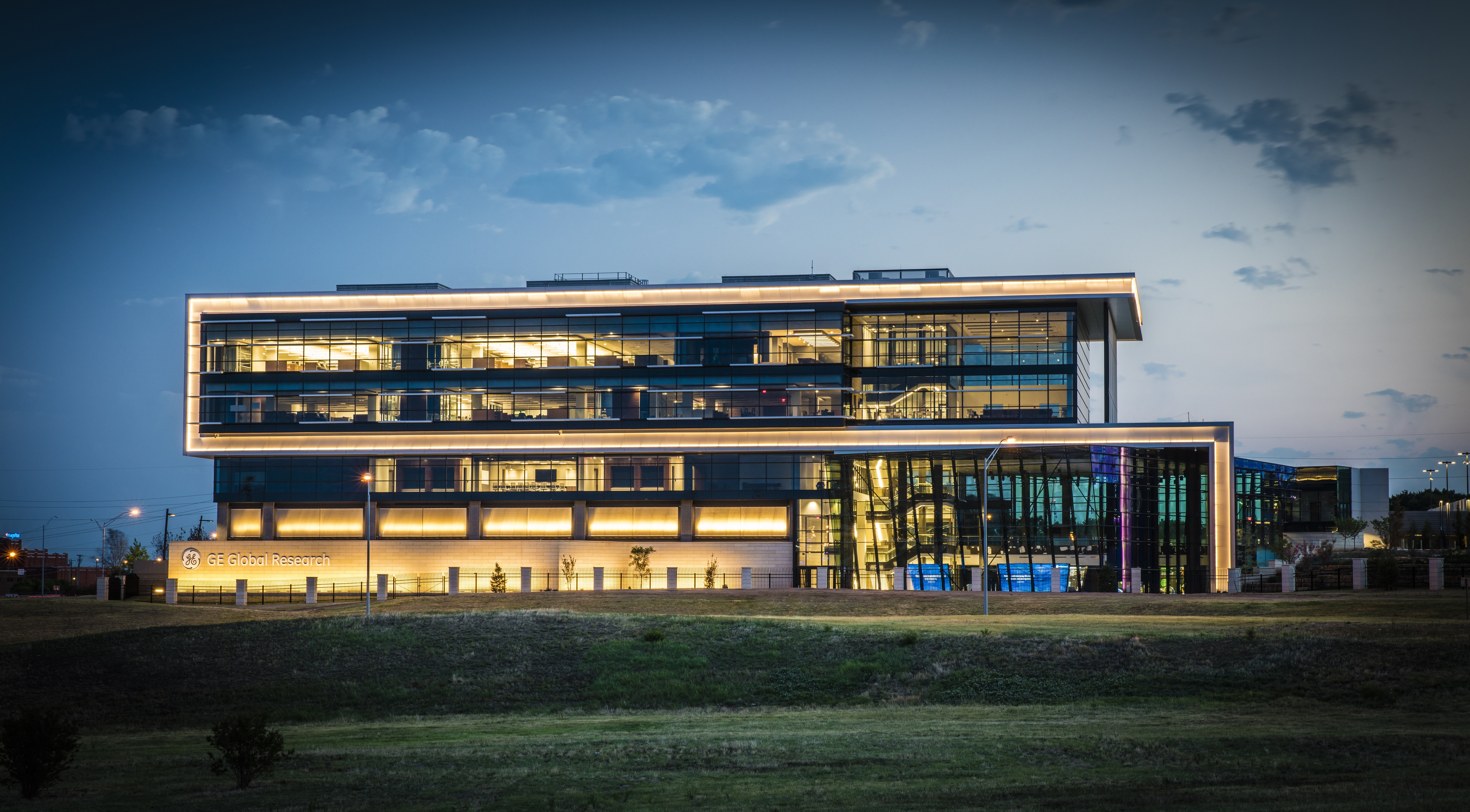 GE's new Oil & Gas Technology Center in Oklahoma City, Oklahoma. Part of GE's network of 10 global research centers, it is a collaborative center dedicated to accelerating technology development for the Oil & Gas industry. (Photo: Business Wire)