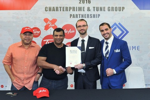(L-R) Tune Group Founders Datuk Kamarudin Meranun, Tan Sri Tony Fernandes, CBE, Charterprime Managing Partners Mathew Tate, Simon Stephen. (Photo: Business Wire)