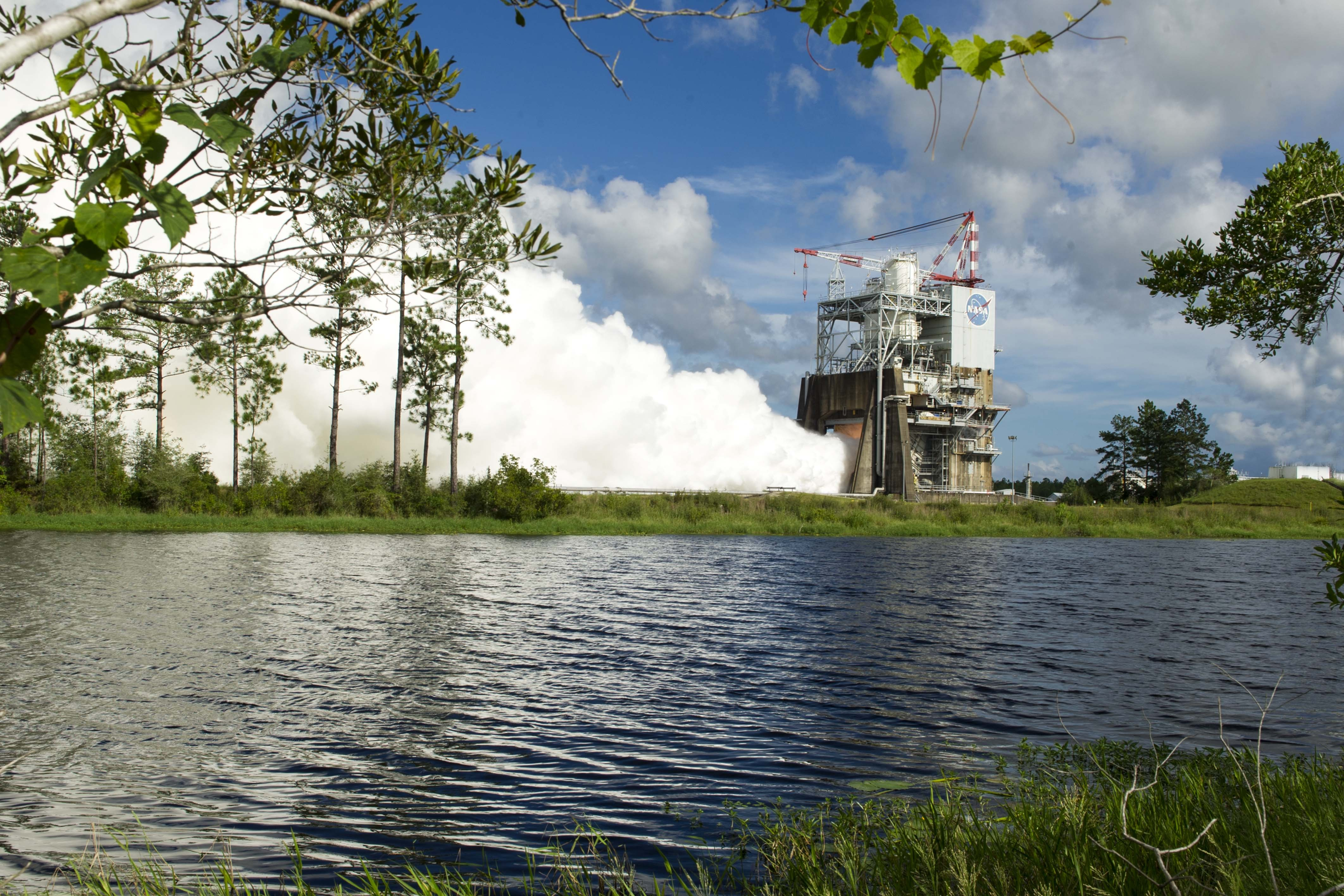 The RS-25 rocket engine built by Aerojet Rocketdyne is tested for 420 seconds at NASA's Stennis Space Center on August 18, 2016, photo courtesy of NASA. (Photo: Business Wire)