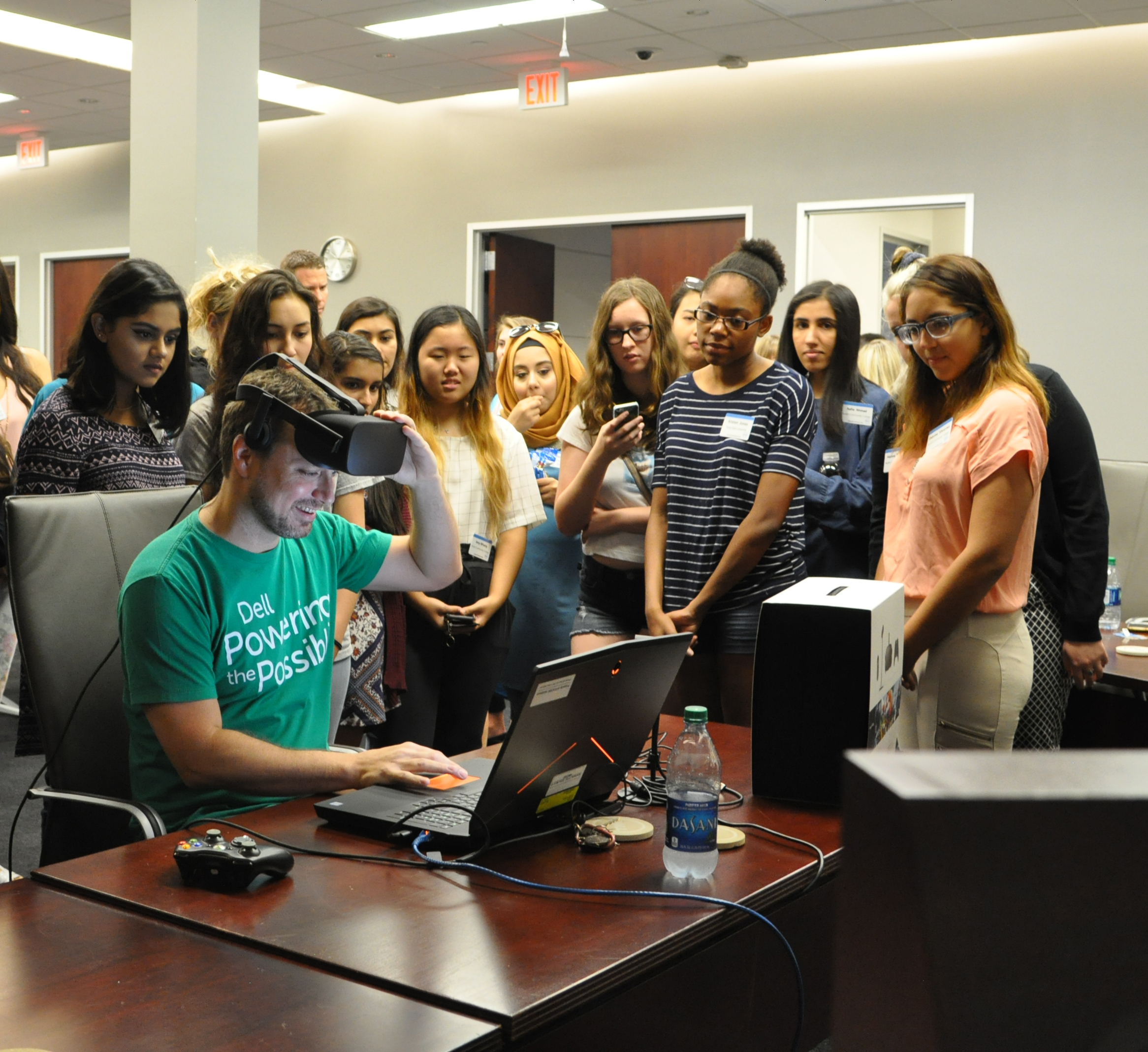 Girls Who Code Learning About Virtual Reality at Dell Campus (Photo: Business Wire)