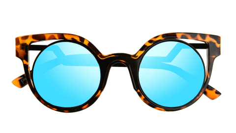 The elevated line of sunglasses from the Foster Grant® eyewear brand feature fresh, modern designs. (Photo: Business Wire)