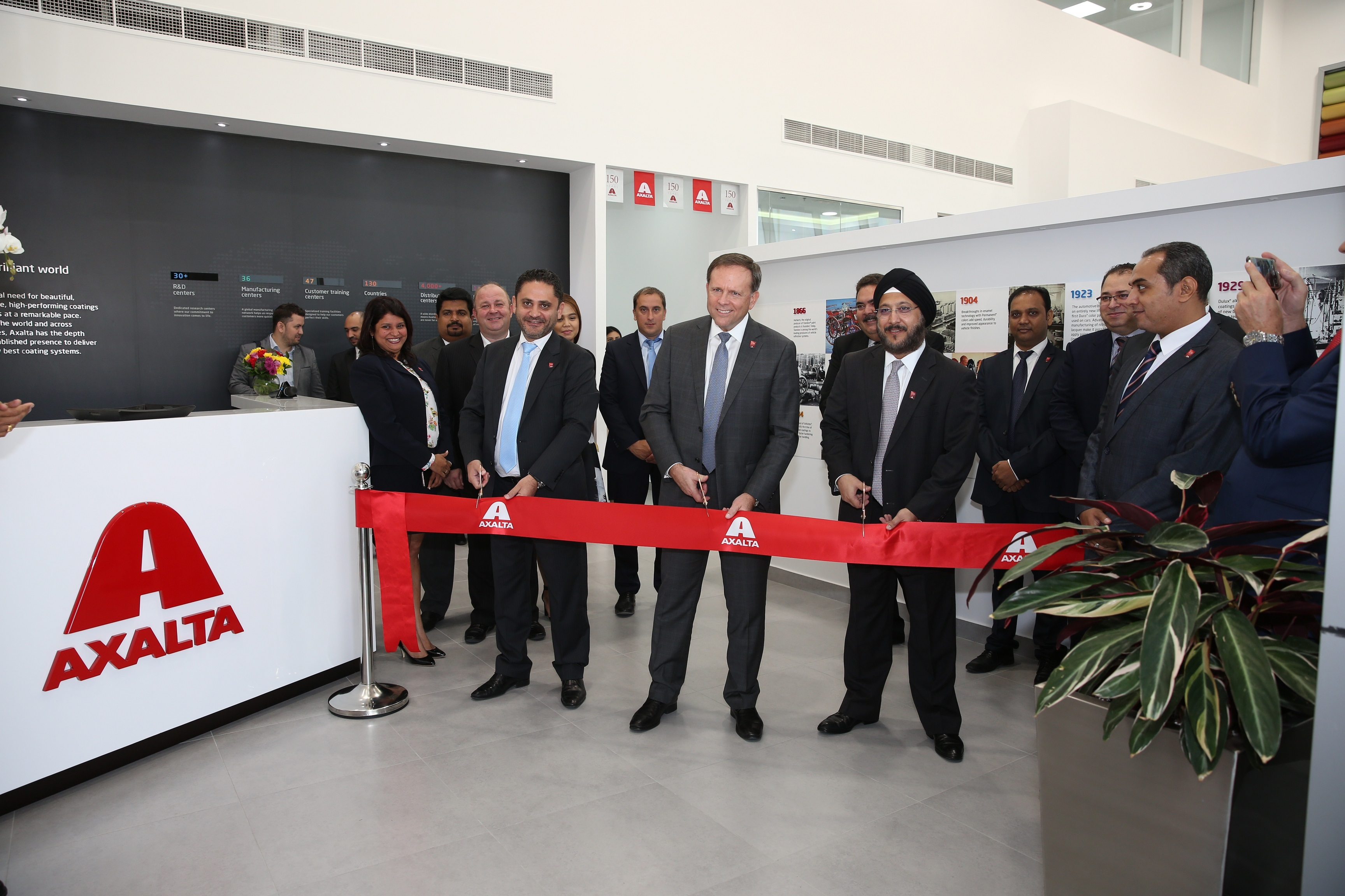 Charlie Shaver, Axalta Chairman and CEO (center), Sobers Sethi, Axalta Vice President, South and East Asia and Middle East and North Africa (MENA) Region (right), and Fadi Medlej, Axalta Managing Director of MENA (left) and others open Axalta MENA Regional Office in Dubai (Photo: Axalta)