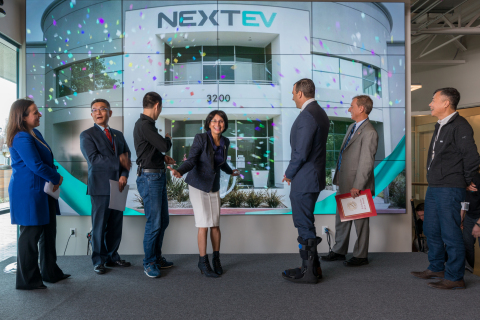 NextEV U.S. CEO Padmasree Warrior and Chairman William Li officially celebrate the opening of their North American headquarters. (Photo: Business Wire)