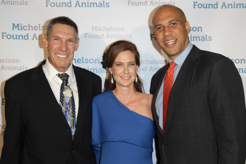 Gary Michelson, Founder of Michelson Found Animals, Aimee Gilbreath, Executive Director of Michelson Found Animals, and U.S. Senator Cory Booker (Photo: Business Wire)