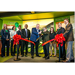 Brian Kesseler, Chief Operating Officer, Tenneco, and Dr. Lou Anna K. Simon, President, Michigan State University, dedicated a renovated residential workspace for first year students in the university's College of Engineering. (Photo: Business Wire)