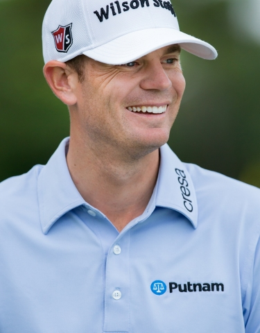 Putnam Investments salutes Brendan Steele, the firm's 'Performance in Motion' marketing partner, after his victory in the Safeway Open, the inaugural event of the 2016-17 PGA TOUR season. (Photo: Business Wire)