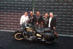 From left to right: Vincent Amato (winning bidder), Brian Klock (Klock Werks), Steve Menneto (Indian Motorcycle), Dave Stang (Jack Daniel's), Craig Jackson (Chairman/CEO of Barrett-Jackson Auction Company). Photo c/o Indian Motorcycle