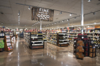 Raley's Award Winning Wine and Spirits Department. (Photo: Business Wire)