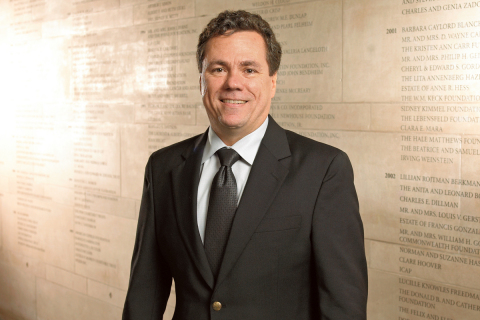 Dr. Lowe, winner of the Agilent Thought Leader Award (Photo: Business Wire)