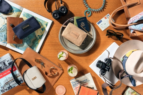 JetBlue introduces its new custom-designed amenity kits from New York City-based Hayward and Hopper, returning classic Hollywood sophistication to air travel. Travelers will feel refreshed on long flights with the help of men's and women's kits and their included assortment of personal care products. (Photo: Business Wire)