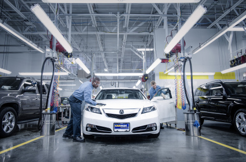 CarMax has a range of opportunities for automotive service professionals, and offers excellent benefits like state-of-the-art, climate controlled services bays. (Photo: Business Wire)
