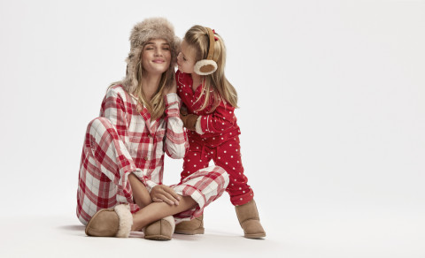 Rosie Huntington-Whiteley drops her holiday hints in UGG winter campaign (Photo: Business Wire)