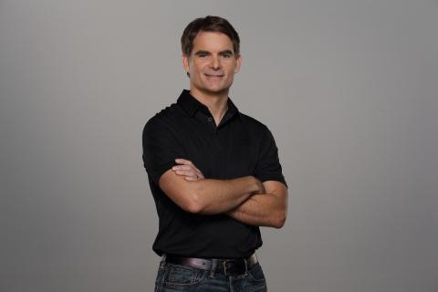 Four-time NASCAR Cup Series champion and Axalta Global Business Advisor, Jeff Gordon, will speak at Axalta's booth at FABTECH 2016 in Las Vegas. (Photo: Axalta)