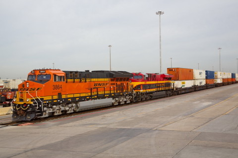 BNSF Railway and Kansas City Southern offer a new joint intermodal transportation service connecting the Chicago and Dallas/Fort Worth markets and other major markets on the BNSF network with important consumer and industrial regions on the Kansas City Southern de México network. (Photo: Business Wire)