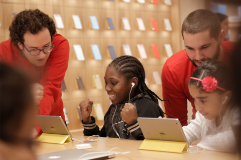 Free Hour of Code Workshops December 5 through 11 at Every Apple Store. (Photo: Business Wire)