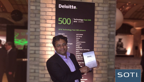 CEO Carl Rodrigues accepts SOTI's 2016 Deloitte Technology Fast 500 award (Photo: Business Wire)