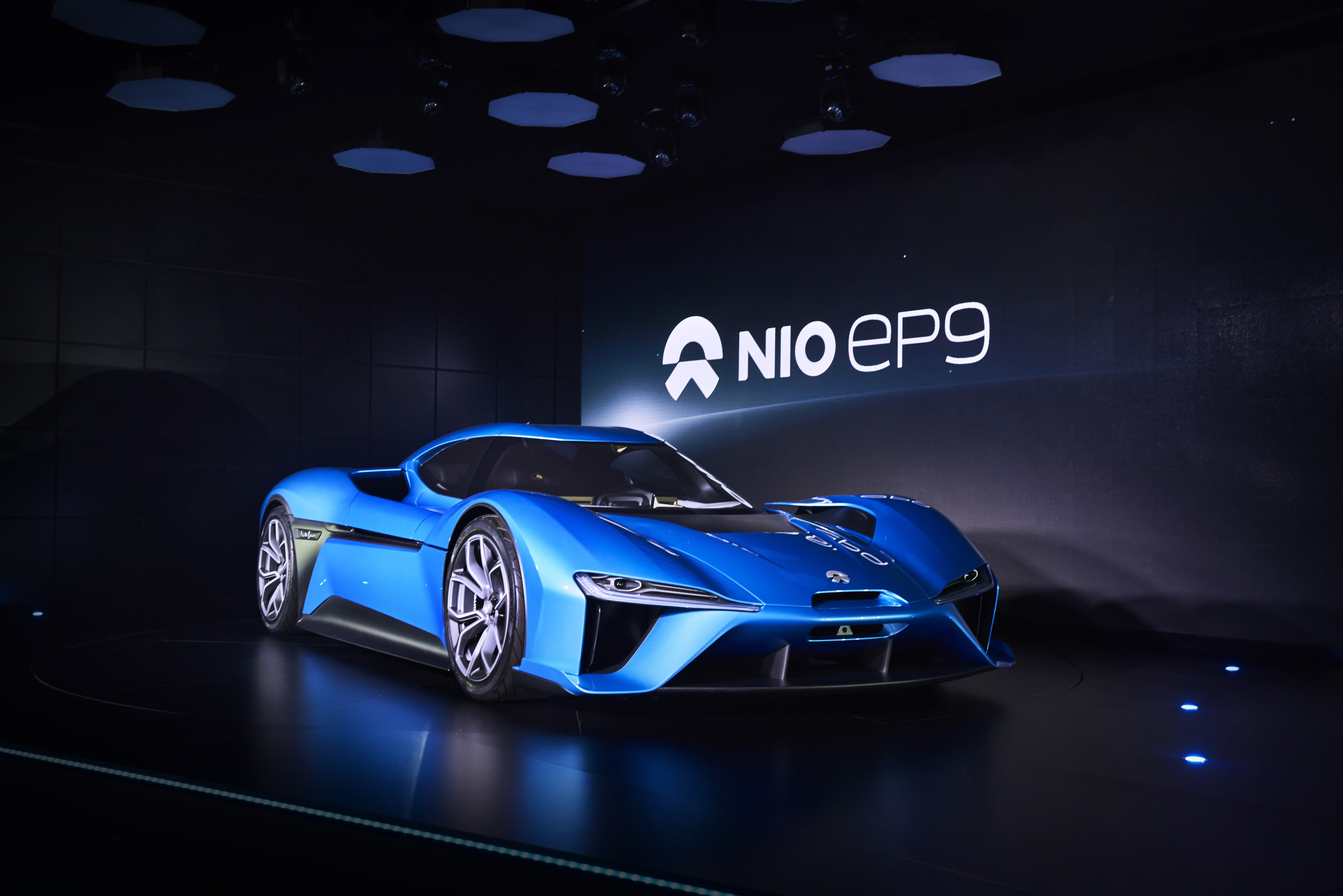 All-Electric NIO EP9 Breaks Nürburgring EV Lap Time Record