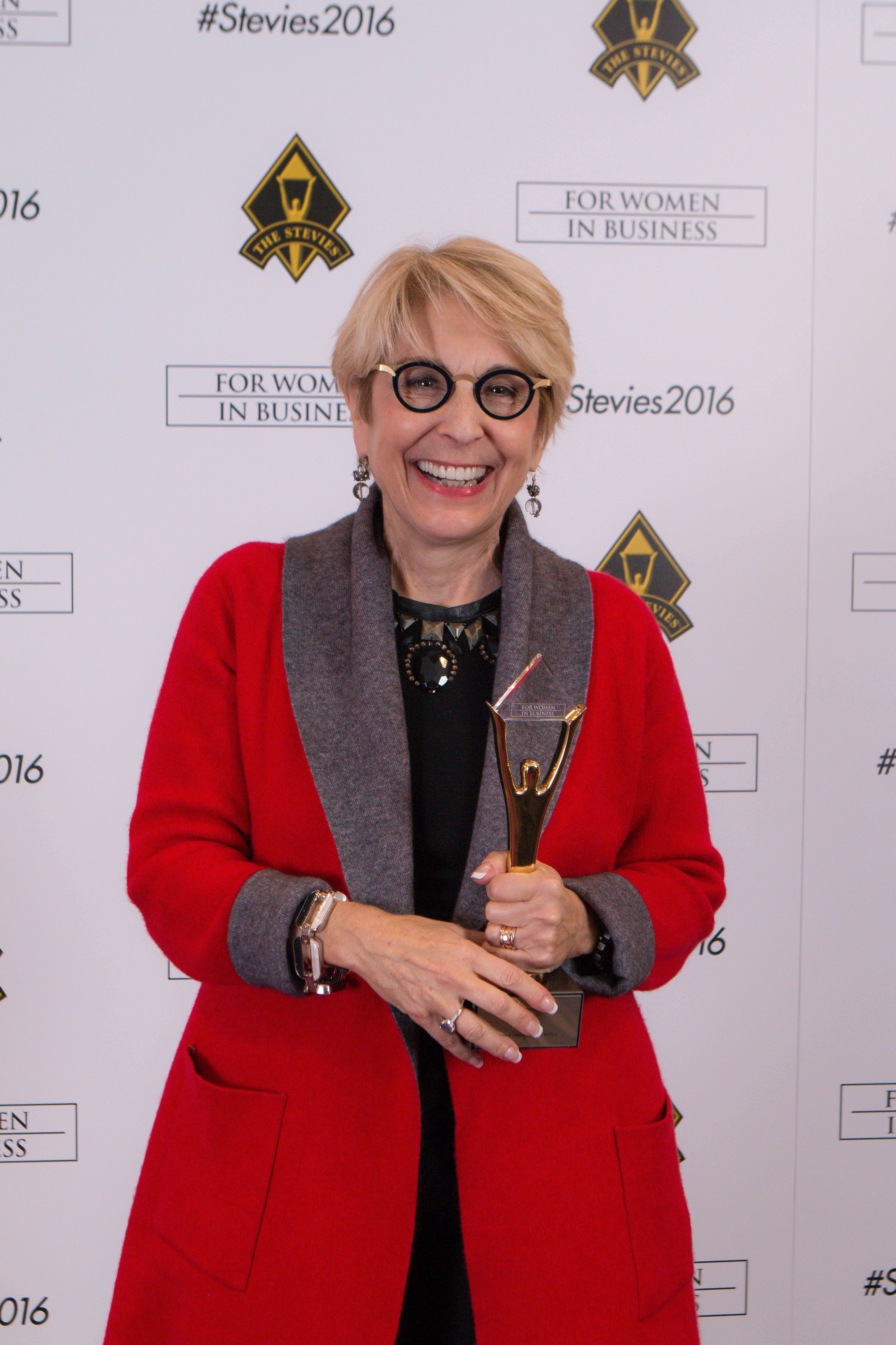 Peggy Klaus wins the 2016 Stevie Gold Award for Coach of the Year, Women in Business! (Photo: Business Wire).