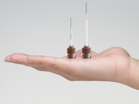 Der T-Mixer Colibri™ erlaubt das homogene und sichere Mischen von Mehrkomponenten-Dentalmaterialien bei einem bis zu 40 Prozent geringeren Materialverbrauch.