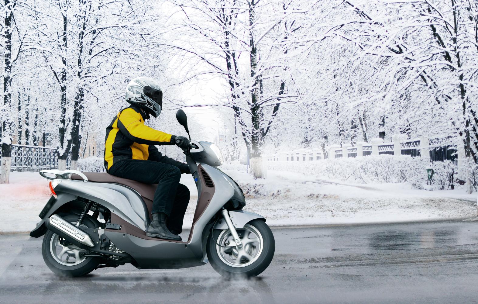 Válido también para motocicletas: los neumáticos de invierno presentan ventajas en caso de agua y hielo. (Photo: Business Wire)