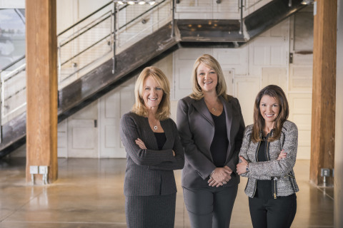 (Left to right) Hannah Paramore Breen, current owner of Paramore and soon-to-be Executive Vice President at Osborn Barr, Suzan Knese, Chief Operating Officer at Osborn Barr, and Rhonda Ries, President at Osborn Barr. (Photo: Business Wire)