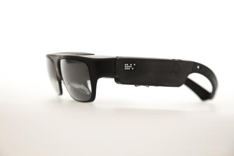 R-7 AR Smartglasses (Photo: Business Wire)