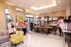 Daiwa House Malaysia Managing Director Daisuke Usugi explaining about Sakura Residence to VIPs (Photo: Business Wire)