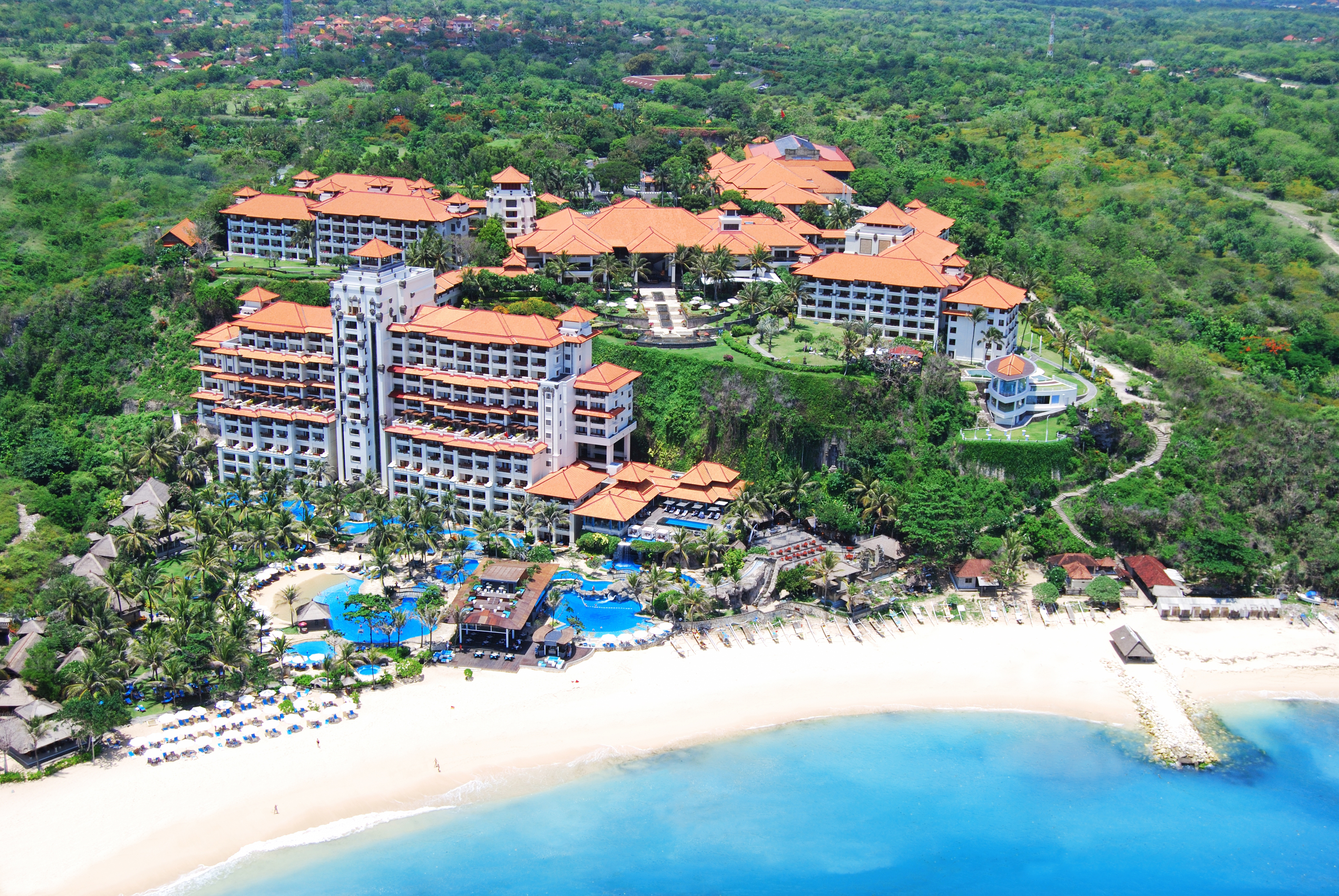 Hilton Hotels Resorts Debuts In Bali With Stunning Cliff