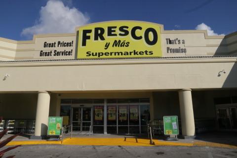 Fresco y Más le ofrece a los clientes un auténtico supermercado Latino que les brinda una mayor variedad de productos, mejores precios y una experiencia de compra mejorada con cientos de nuevos artículos Hispanos. (Photo: Business Wire)
