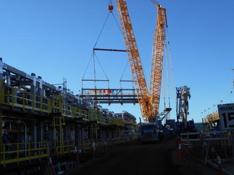 Fluor places final module for Suncor East Tank Farm Development Project. (Photo: Business Wire)