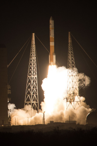 Cape Canaveral Air Force Station, Fla. (Dec. 7, 2016) – Four Orbital ATK solid rocket motors boost United Launch Alliance's Delta IV rocket carrying WGS-8 mission into orbit from Space Launch Complex-37 at 6:53 p.m. EDT. Photo by United Launch Alliance (Photo: Business Wire)