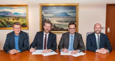 Landsvirkjun and Advania Sign Power Purchase Agreement (Photo: Business Wire)