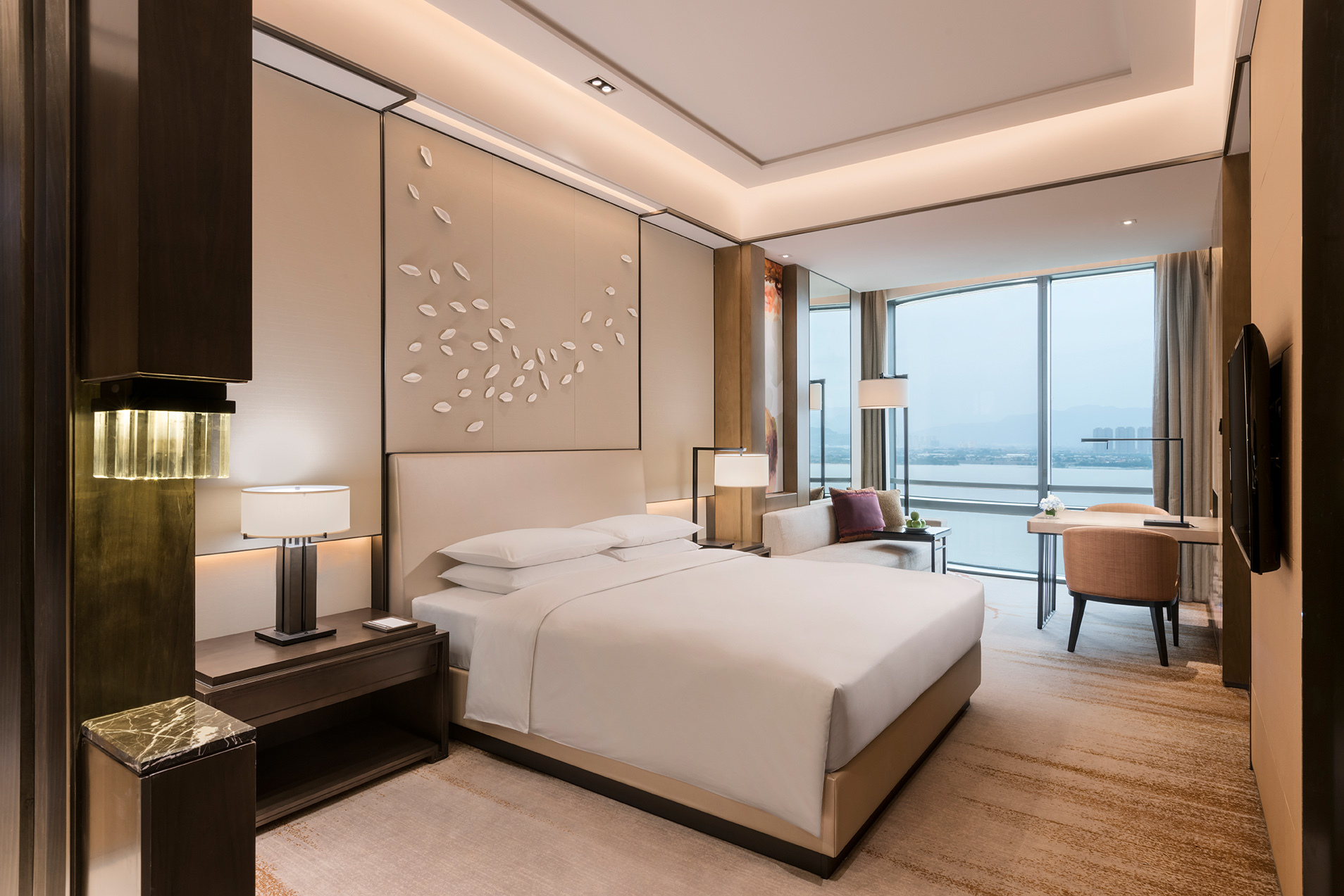 Hyatt Regency Fuzhou Cangshan features 226 intuitively designed rooms and suites. (Photo: Business Wire)