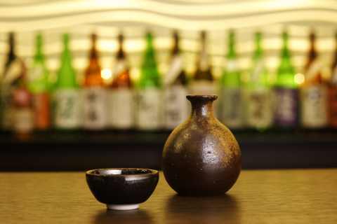 Keio Plaza Hotel Tokyo Starts an Original Tokyo Sightseeing Limousine Tour to Explore Japanese Sake Breweries in response to the rising worldwide popularity of Japanese sake, as well as the growing interest of overseas tourists to learn about Japanese culture. (Photo: Business Wire)