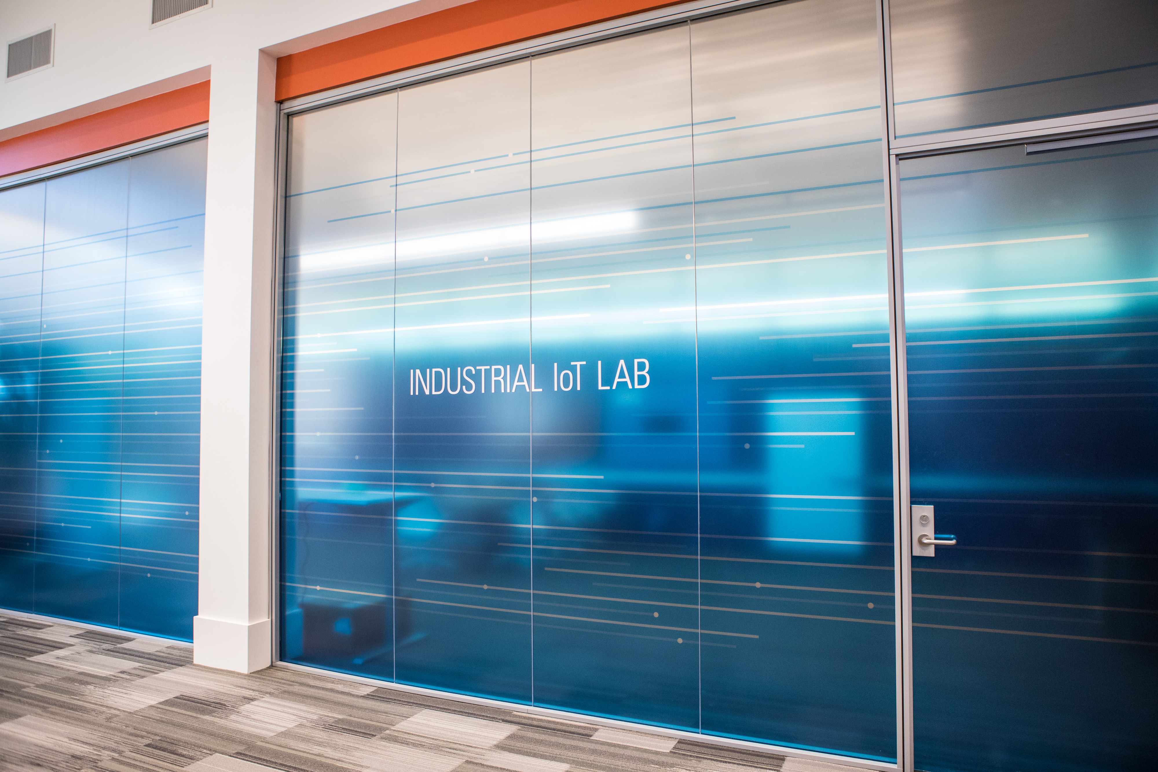 The NI Industrial IoT Lab focuses on intelligent systems that connect operational technology, information technology and the companies working on these systems. (Photo: Business Wire)