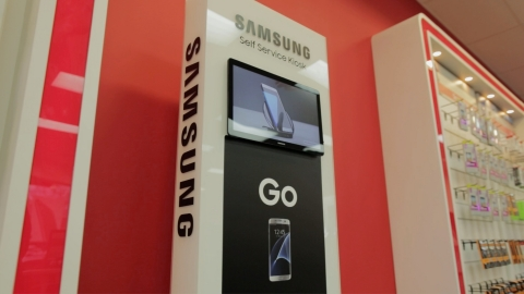Samsung's self-serve endless aisle kiosk can be found in 200 Verizon locations with expansion currently being planned. (Photo: Business Wire)